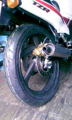 TZRのタイヤ交換